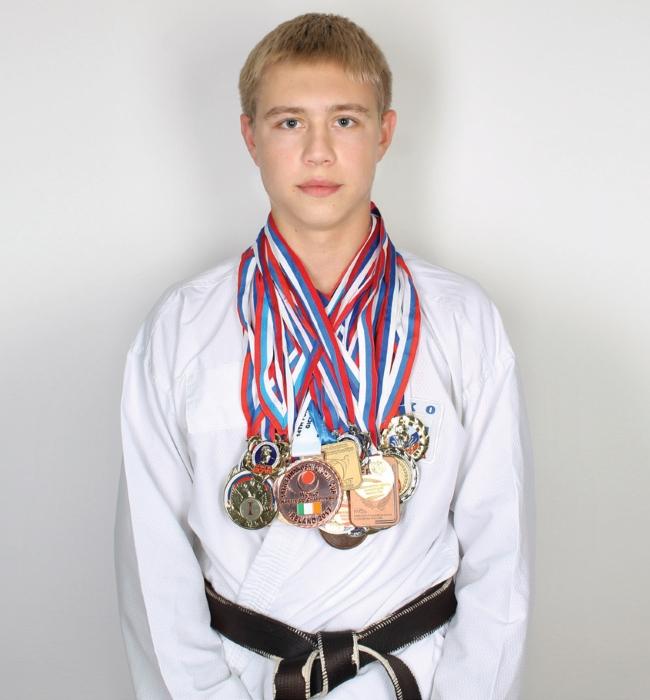 Бобров Денис Евгеньевич