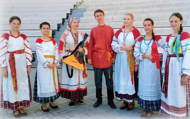 Образцовый художественный коллектив фольклорный ансамбль «Саяночка»